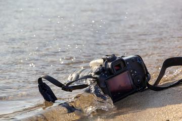 水に落下して故障したカメラ