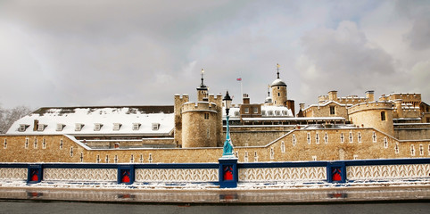 Wall Mural - Snow covered Tower of London