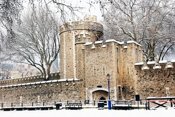 Fotomurales - Snow covered Tower of London