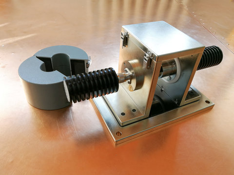 BCI calibration jig for EMC test on the copper plate background