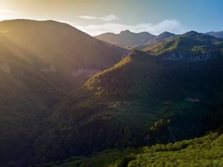 In de dag Zwart High landscape with mountains