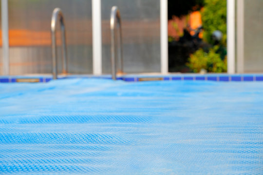 swimming pool bubbles wrap background