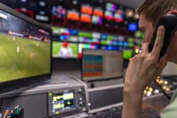 In der Arbeit bei einem TV / Fernsehsender