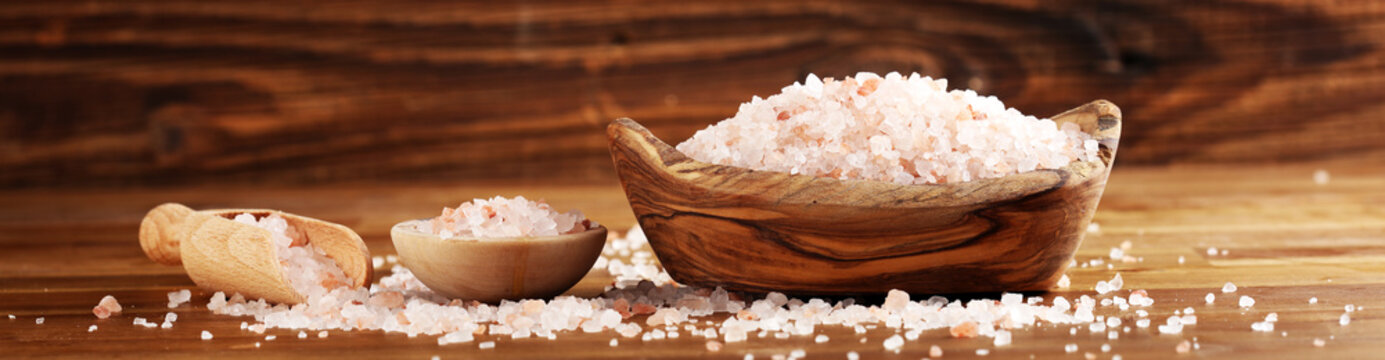 Natuaral cosmetics with pink himalayan spa salt. Sea bath salt for healthy spa relaxation