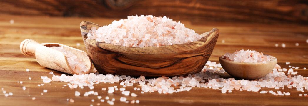Natuaral cosmetics with pink himalayan spa salt. Sea bath salt for healthy spa relaxation