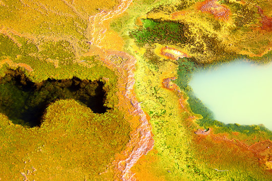yellow waters of the Rio Tinto, coloured by dissolved minerals