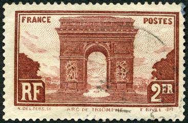 FRANCE - 1931: shows Arc de Triomphe de lEtoile, Paris