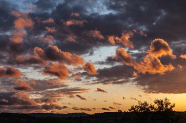 Allassac (Corrèze - France) - Coucher de soleil nuageux