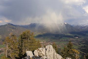 Regenwolke im Gebirge