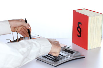 kaufmann berechnet steuerlast