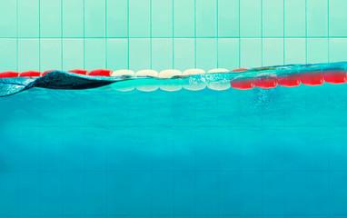 Schwimmbecken mit Abtrennung