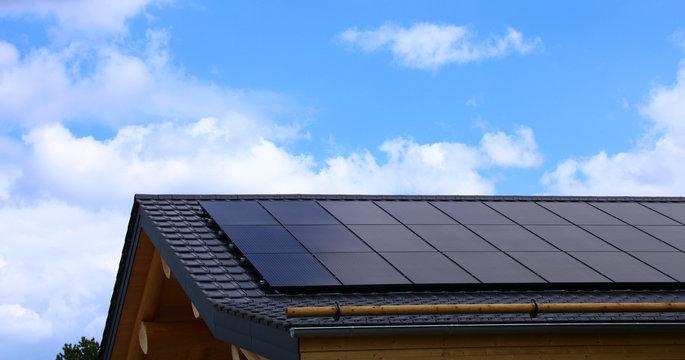 Photovoltaikanlage   hausdach