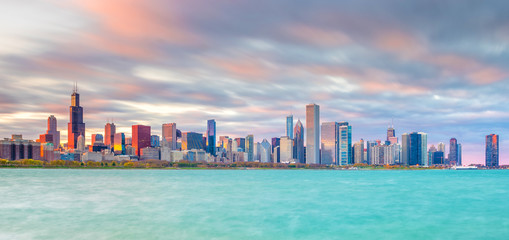 Downtown chicago skyline at sunset in Illinois