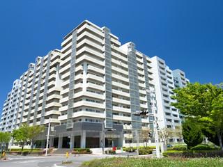Fototapete - 新興住宅地の高層マンション