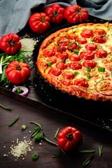 tart mit tomaten