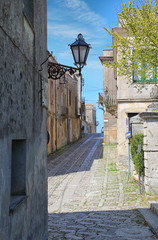 Fototapete - The narrow streets of Erice town, Italy