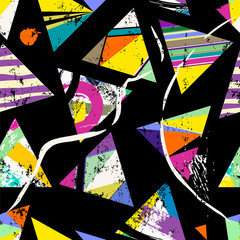 seamless geometric background pattern, with triangles, strokes and splashes, on black