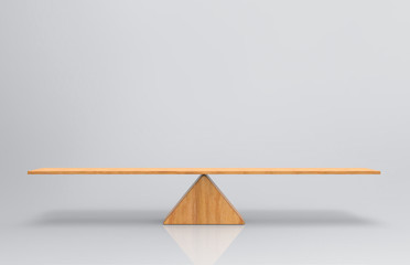 3d rendering. an empty blank wood balance scale on gray background. Fototapete