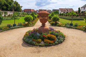 Der historische Klostergarten der Benediktinerabtei in Seligenstadt