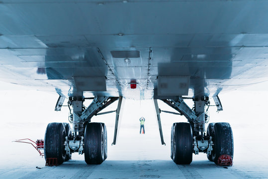 Chassis cargo aircraft Boeing 747. Airport In winter.
