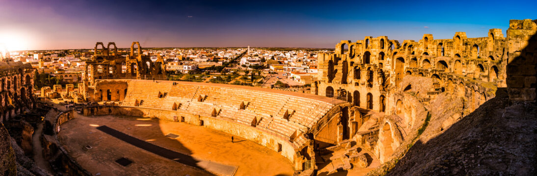The beautiful amphitheatre in El Djem reminds the Roman Colosseum