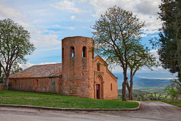 Pienza, Siena, Tuscany, Italy: the medieval church Pieve di Corsignano (12th century)