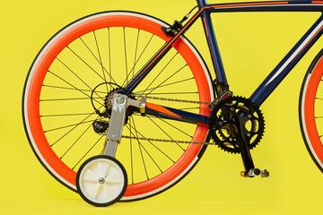 Racing bike with stabilisers