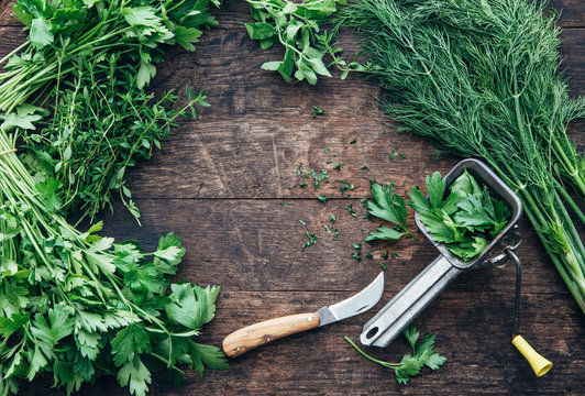 Food: Herbs with knife and mill