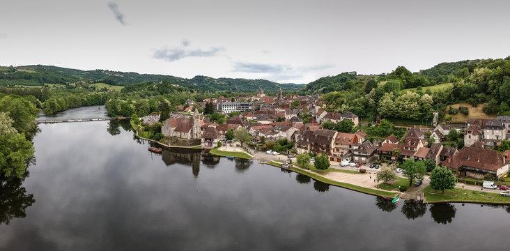 Beaulieu sur Dordogne (Corrèze - France) - Vue aérienne