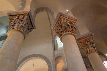 chapiteaux sculptés église de Saint Nectaire