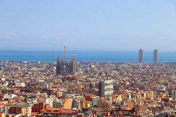Photo sur Toile Europe Centrale Beautiful view of Barcelona with famous Sagrada Familia church,