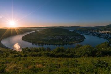Rheinschleife im Sonnenaufgang