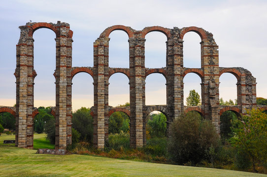 Acueducto de los Milagros (Miraculous Aqueduct), Roman ruins in Mérida, Spain (old Emerita Augusta)