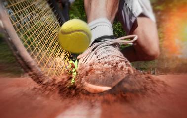Estores personalizados de deportes con tu foto Tennis player on clay tennis court