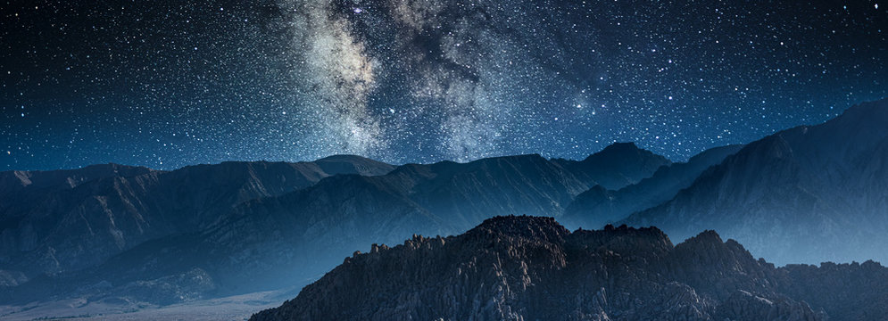 milky way galaxy and stars in night sky at alabama hills park california