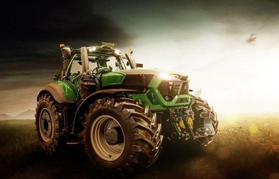 Traktor steht auf dem Feld