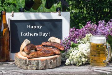 """Text""""Happy Fathers Day"""" mit Bratwurst und Bier"""