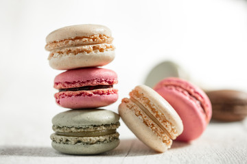 Printed kitchen splashbacks Macarons Pyramide de macarons colorés
