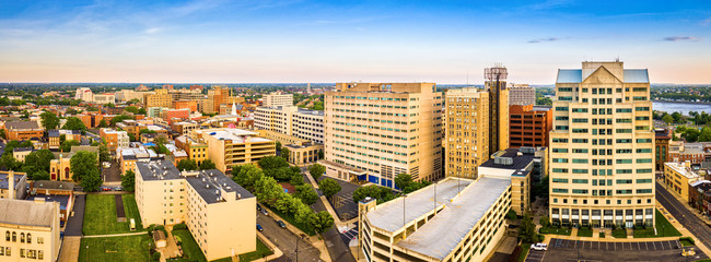 Fototapete - Aerial panorama of Trenton New Jersey skyline on a late sunny afternoon