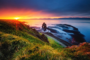 Wall Mural - Amazing view of the Atlantic ocean at dawn. Location place Hvitserkur, Iceland, Europe.