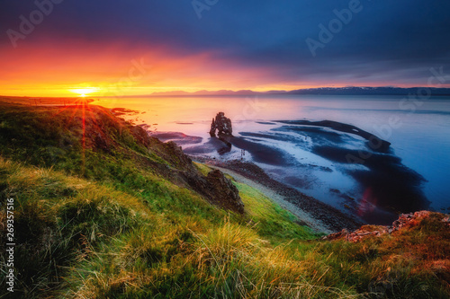 Wall mural Amazing view of the Atlantic ocean at dawn. Location place Hvitserkur, Iceland, Europe.