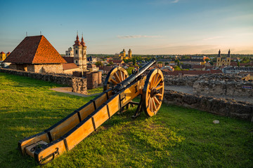Landscape of Eger from Castle with a 17th century cannon Fototapete