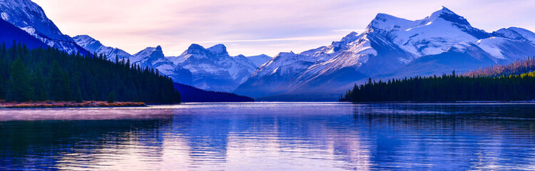 Wall Mural - Panorama view Maligne Lake, Jasper National Park, Alberta, Canada