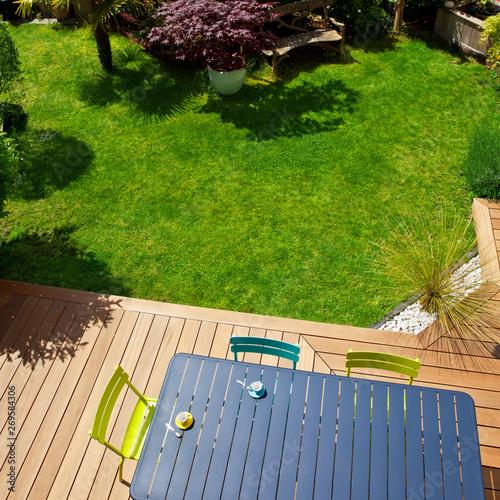 Salon de jardin moderne sur terrasse en bois exotic\