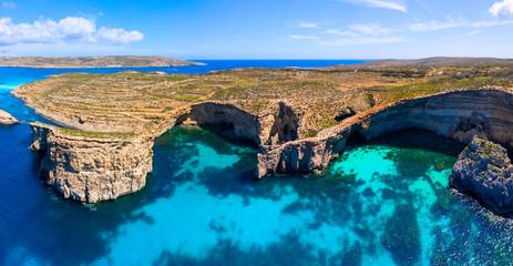 Fototapete - Malta. Comino island caves.