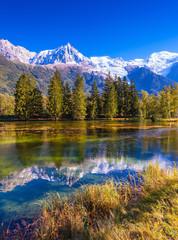 Foto auf Gartenposter Reflexion The mountain resort of Chamonix, France