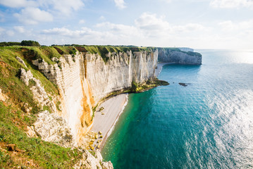 View of Etretat white cliffs in Normandy, France Fototapete