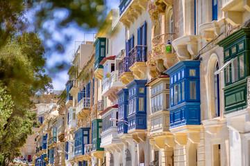 Fototapeta Malta Valetta niebieskie balkony obraz