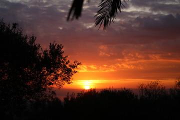 tramonto rosso fuoco