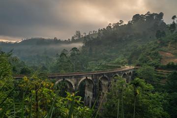 Obraz ella nine arch bridge sri lanka - fototapety do salonu